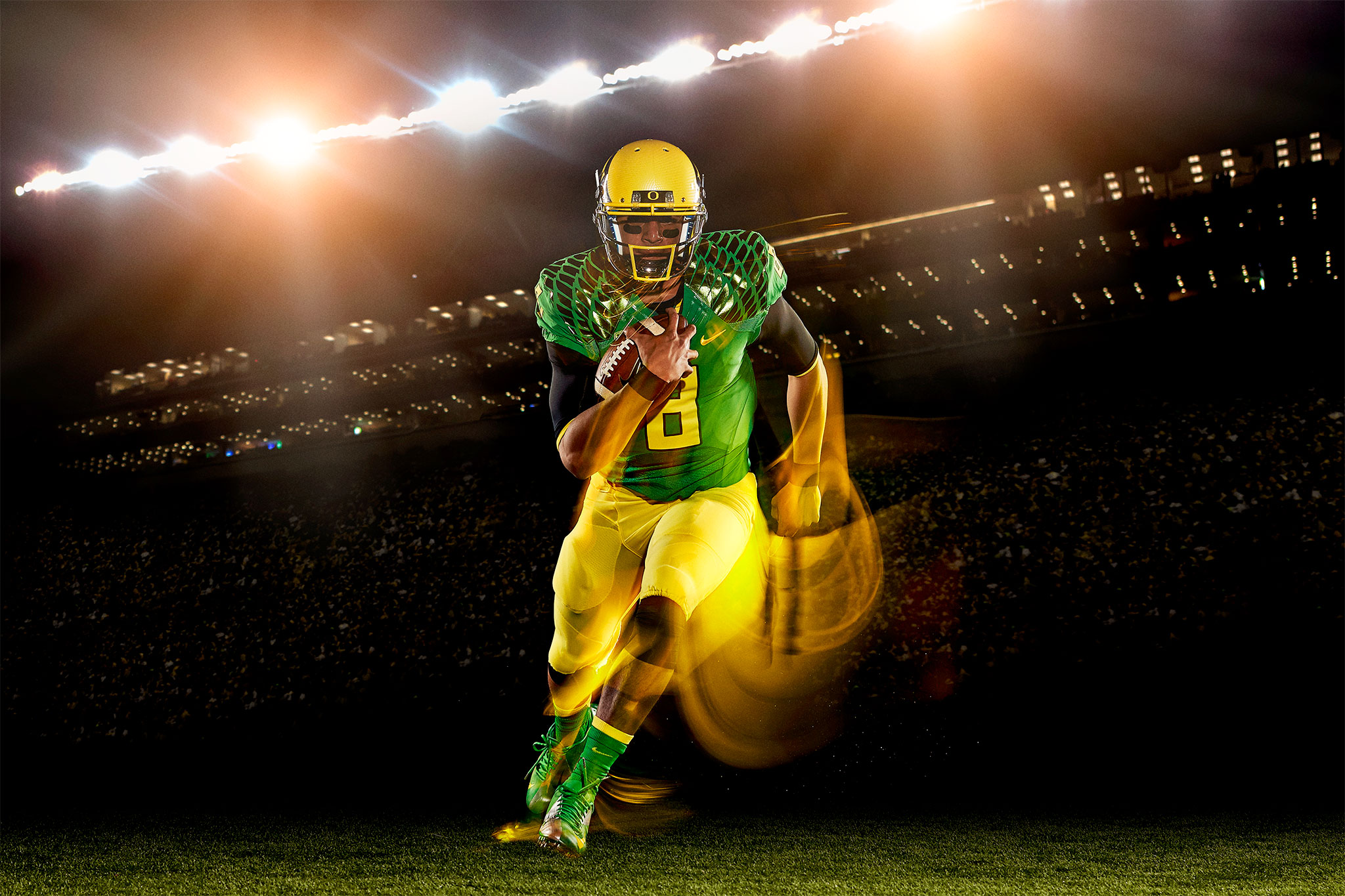 Marcus Mariota Breaking for a Run | Zach Ancell Photography