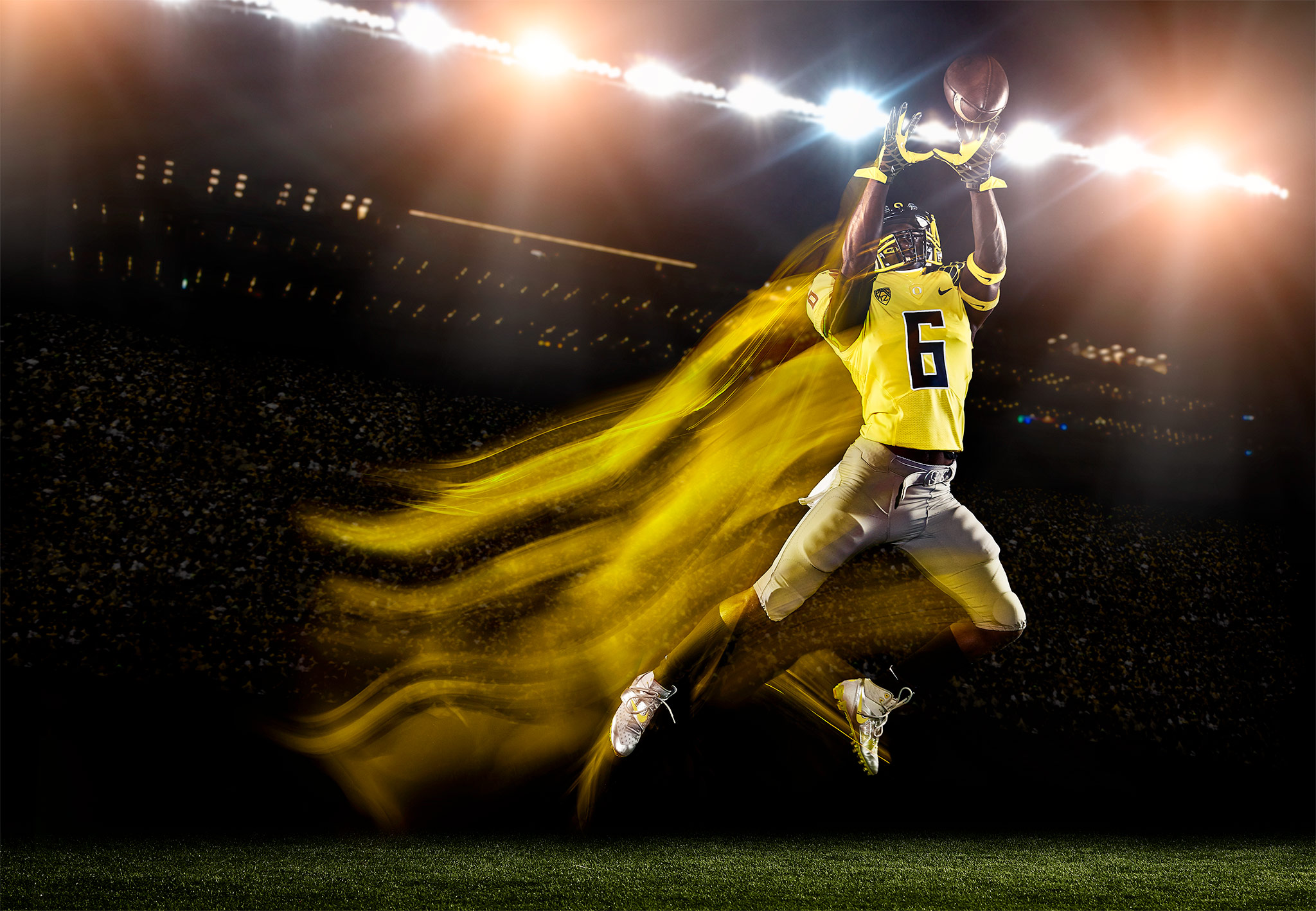 DeAnthony Thomas elevates for a Reception | Zach Ancell Photography